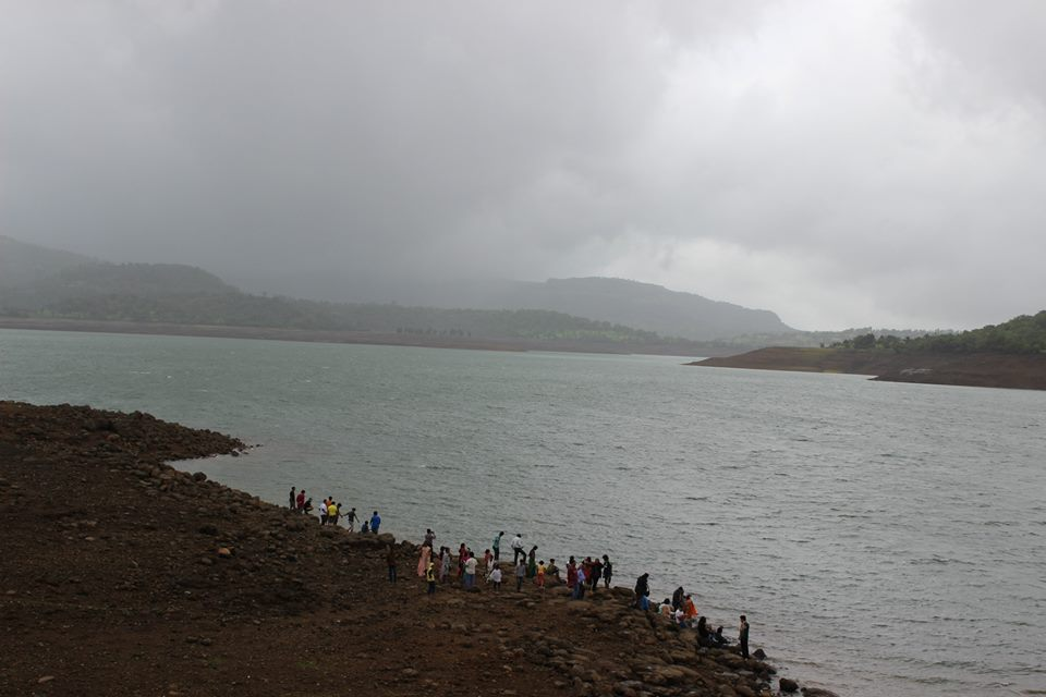 arthur lake at bhandardara pc lauriana fernandes