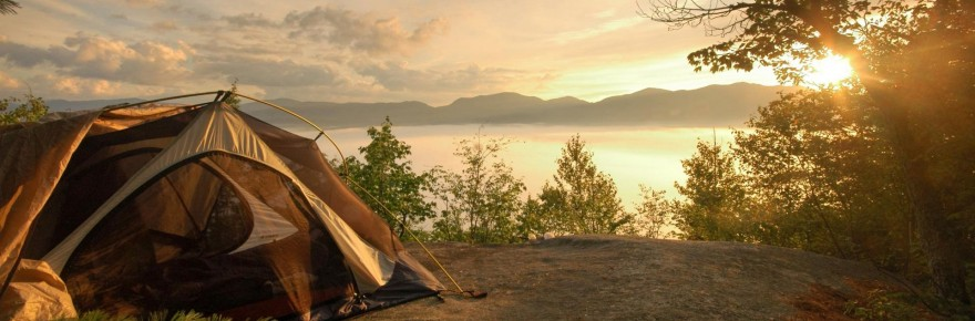 tent_on_a_lake_shore_at_sunrise_trees_hd-wallpaper-1671188